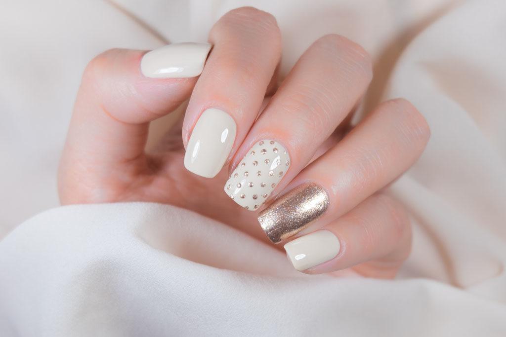 Quels sont les risques d'une pose de faux ongles ?